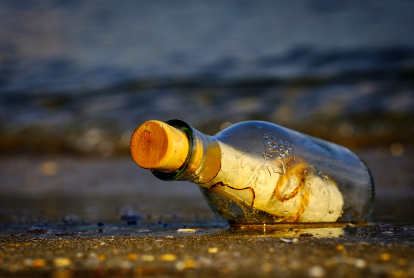 message-in-a-bottle-3437294